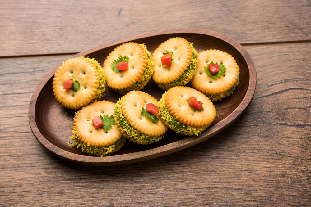 Cheese and Chutney Biscuit Chaat