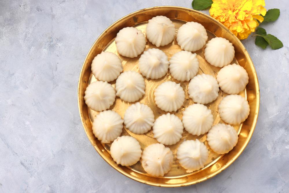 Kozhukattai /Modak (rice mixture)